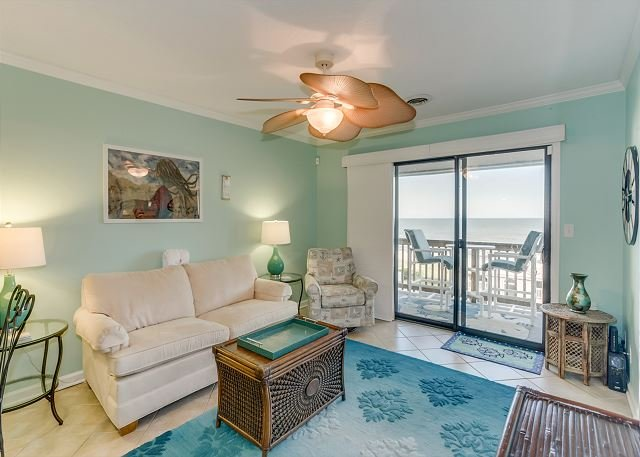 Spacious condo, across the street from the beach + FREE DAILY ACTIVITIES!, location de vacances à Myrtle Beach Nord