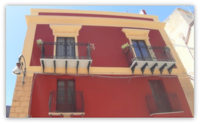 CASA GIAVADA STERIPINTO - ELEGANTE APPARTAMENTO NEL CENTRO STORICO DI SCIACCA, vacation rental in Cartabubbo
