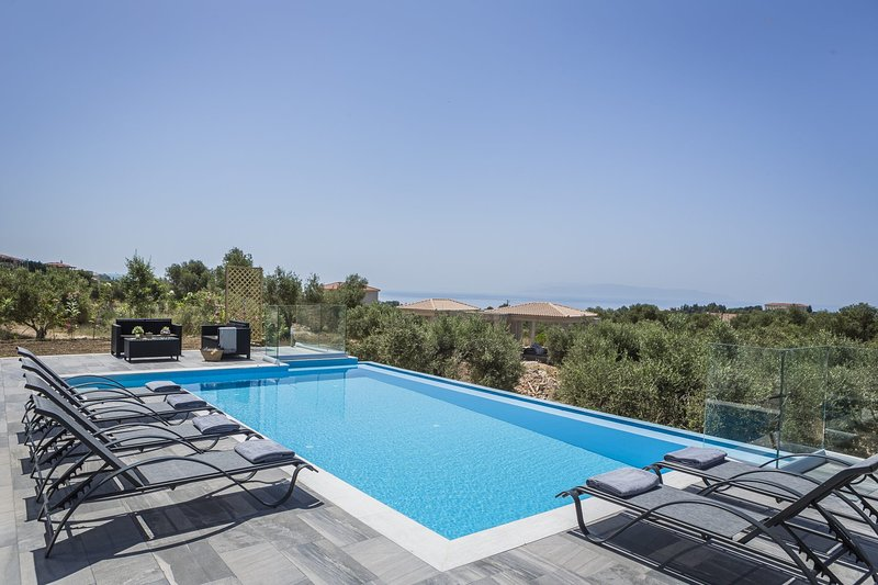 Mousata Villa Sleeps 6 with Pool Air Con and WiFi - 5812200, vacation rental in Mousata