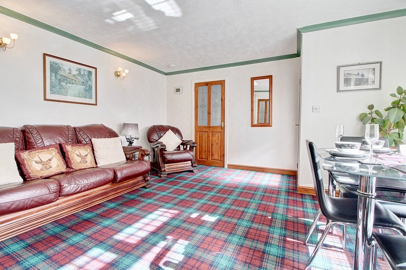 Old Smiddy Self Catering Apartment, Balloch, Loch Lomond, vacation rental in Gartocharn