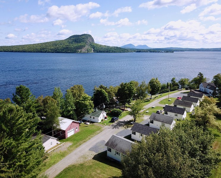 Rockwood Cottage 6, Sky View, vacation rental in Jackman