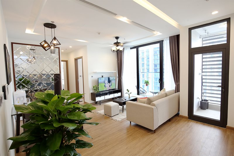 Vinhomes Metropolis Hanoi 2BDR - HomeCity, holiday rental in Hanoi