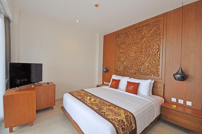 2BR Raja Pool Villa - Breakfast Spectacular Views From Every Corner, vacation rental in Lendangluar