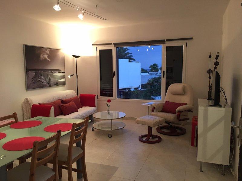 Playa Bastian 109V spacious 2 bed apartment close to the beach, alquiler de vacaciones en Costa Teguise