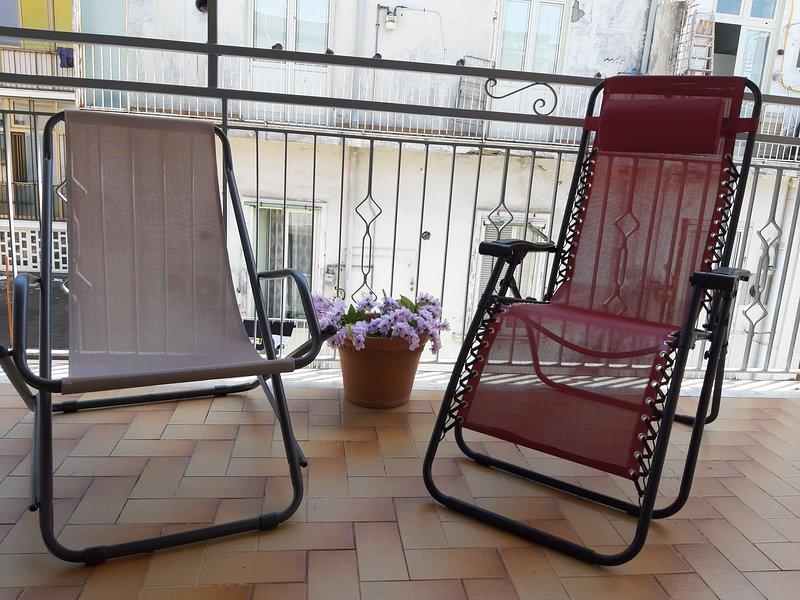 Amazing home: ampio e nuovo appartamento in centro v, casa vacanza a Santa Maria la Carità