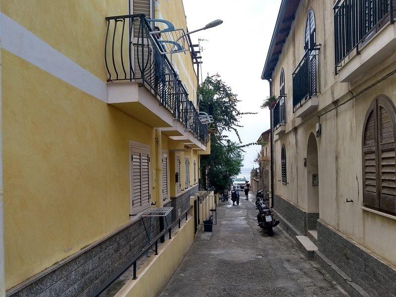 Casa Valeria / Appartamento Piano Terra Lato Nazionale, holiday rental in Taureana