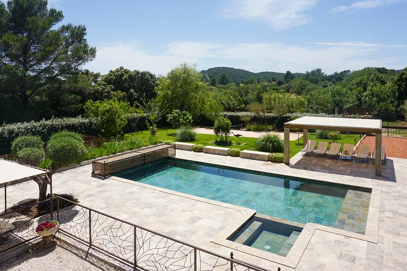 Cuers Villa Sleeps 12 with Pool and Air Con - 5812237, holiday rental in Sollies-Pont