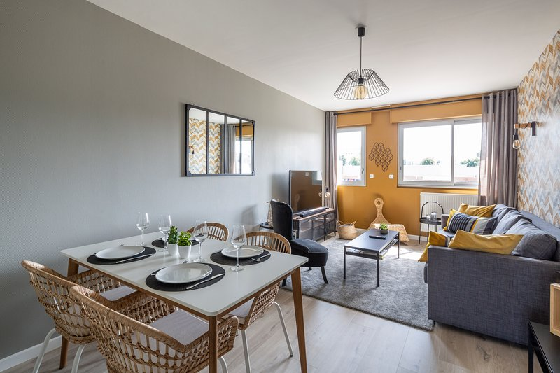 L'ETOILE, Appartement Confortable et Lumineux, Parking, holiday rental in Change