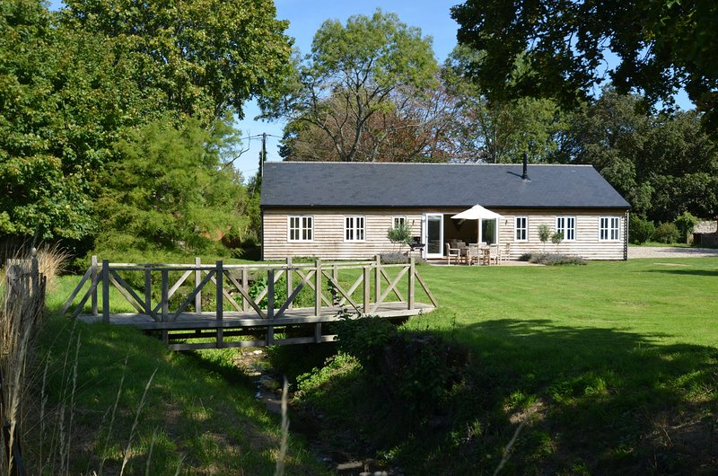 Beaufort Barn, holiday rental in Fittleworth