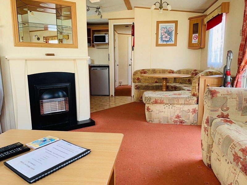 Fantasy Island Caravan Hire Ingoldmells- Brisbane 8 berth 3 bedroom, vacation rental in Ingoldmells