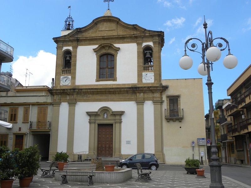 "La ""Iglesia Madre"" en casteldaccia"