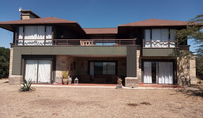Villa in the wild,Mount Kenya Wildlife Estate # 21, alquiler de vacaciones en Provincia del valle del Rift