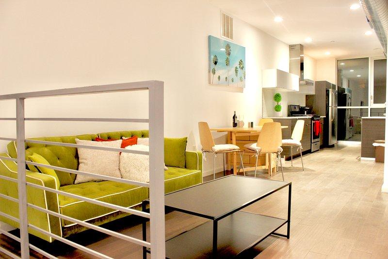 Chic, Modern 2bd Duplex Condo, vacation rental in Pennsauken