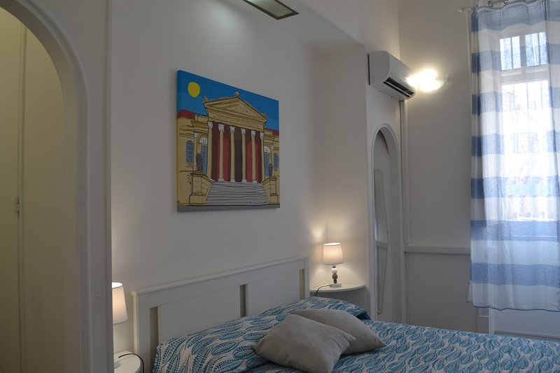 Diddidu Home- comodo appartamento in centro storico, holiday rental in San Nicola l'Arena