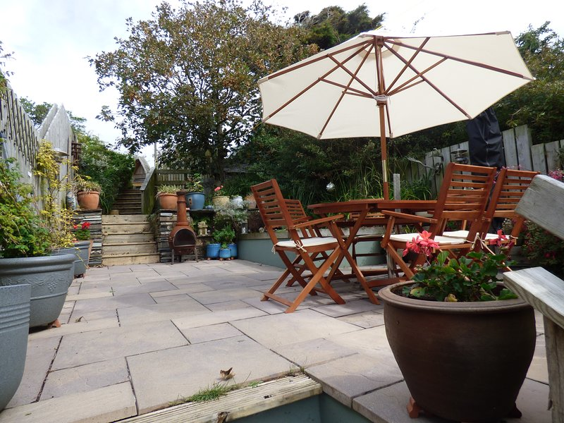 Idyllic, Peaceful & Cozy Holiday Cottage  with a secure garden and parking, holiday rental in Tintagel