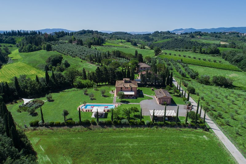 Villa Lestra ( Beautiful villa Volterra area, San Gimignano, Pisa ), holiday rental in Montelopio