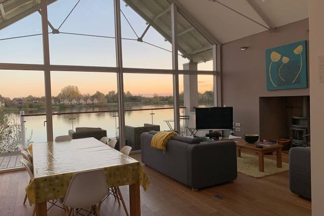 Spacious house in Somerford Keynes, vacation rental in Ashton Keynes