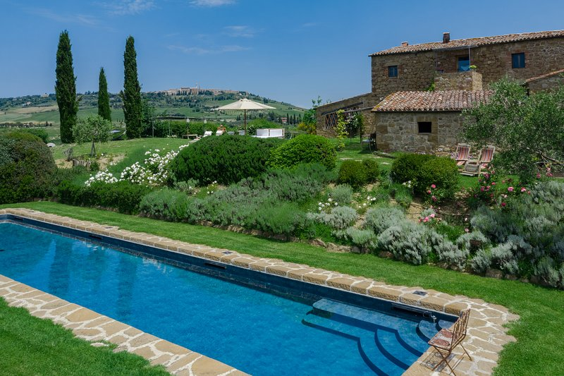 Villa Pienza, Val d'Orcia luxury accommodation with pool and A/C for 12 persons!, aluguéis de temporada em Pienza
