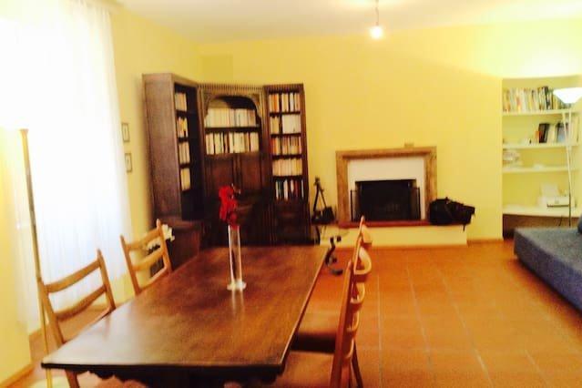 Nice apartment in Locarno & Wifi, location de vacances à Avegno Gordevio