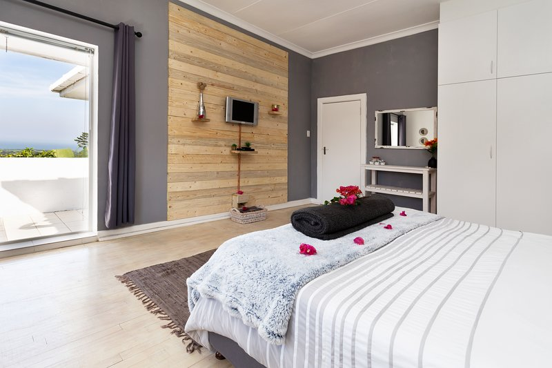 Sea Studio - Sea Viewsspaciousprivate Entrancekitchenetteen-suite Bathroom, vacation rental in Uitenhage
