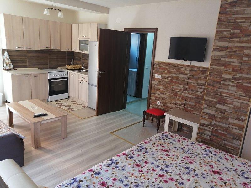 Vila Zora Apartmani Krstanoski, holiday rental in Republic of North Macedonia