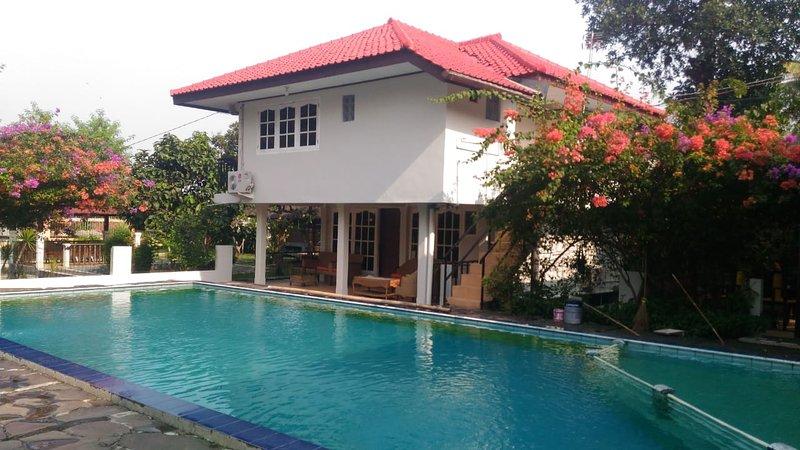 Villa Apung, location de vacances à Bogor