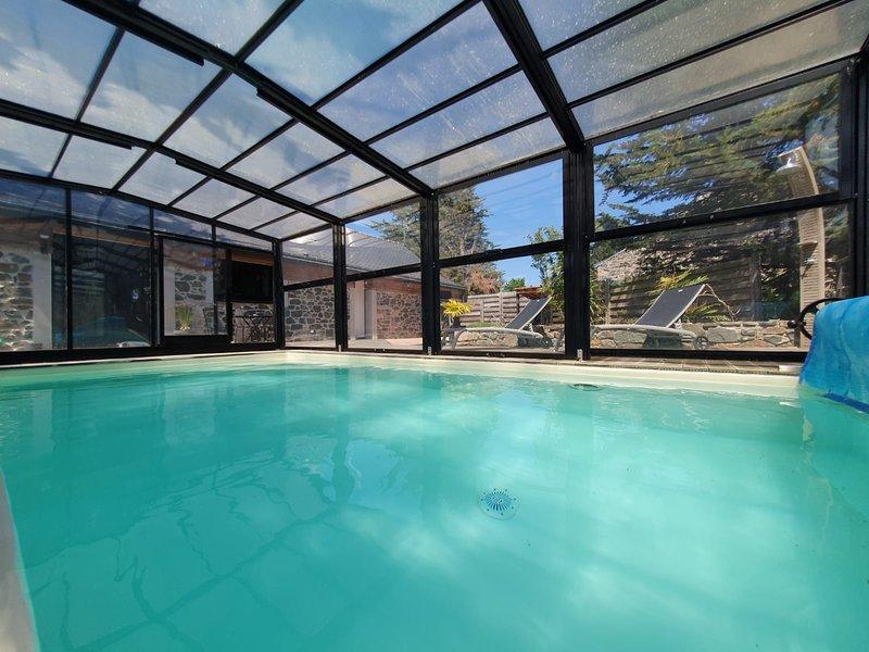 Charmante Villa 'Longère des Roizou', holiday rental in Pabu