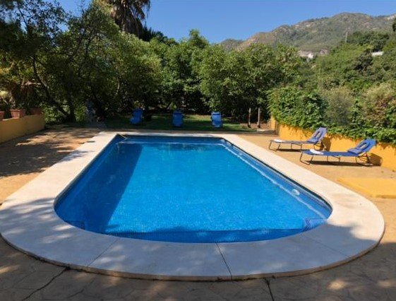Spacious villa with swimming-pool, holiday rental in Monda