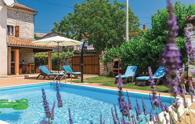Ontspannen in een twee-onder-één kaphuis niet ver van Rovinj (CIV258), casa vacanza a Golas