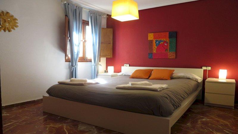Apartamento en TRIANA de 1 Dormitorio, holiday rental in Olivares