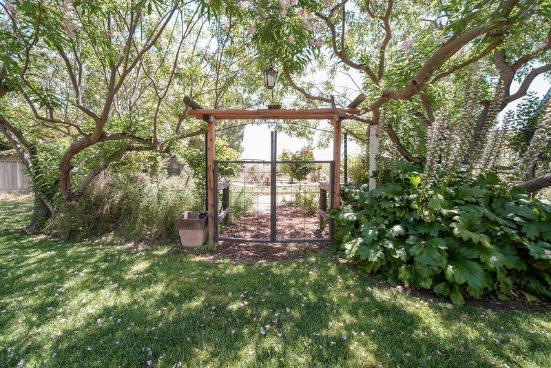 Silverado Place Wine Country Garden Retreat Has Shared Outdoor