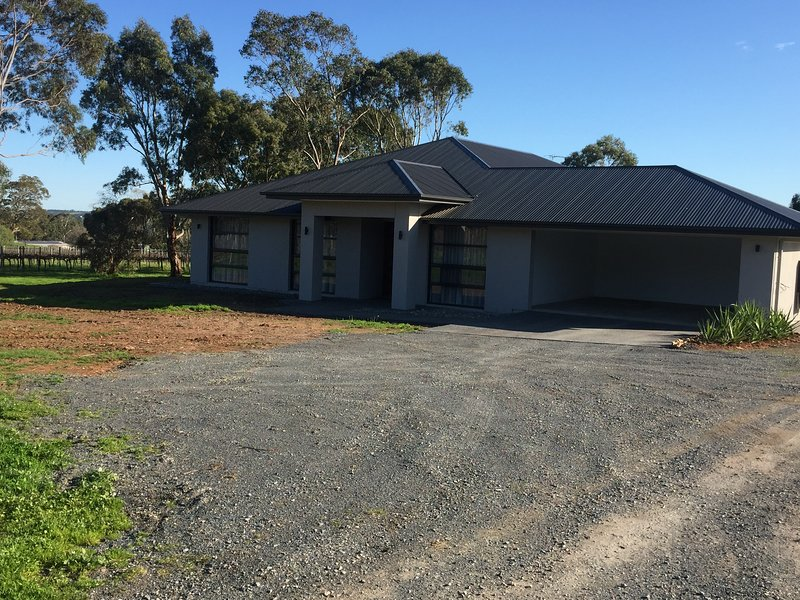 Windy Gully Bed and Breakfast, holiday rental in Strathalbyn