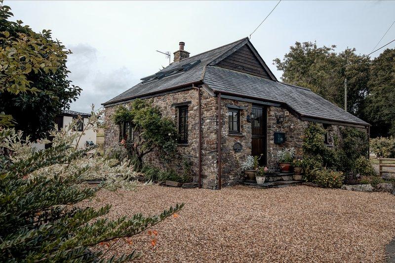 Paddocks Barn, Bratton Clovelly. Idyllic Rural Retreat., vacation rental in Beaworthy