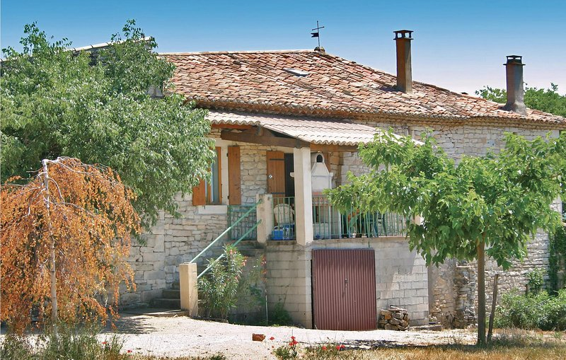Amazing home in Barjac with 2 Bedrooms (FLG188), vacation rental in Vagnas