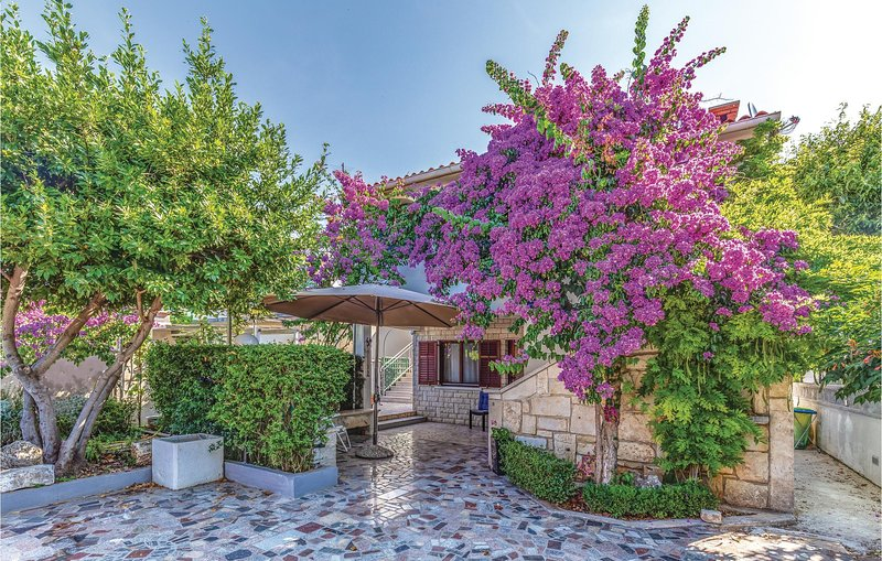 Awesome home in Pula with WiFi and 2 Bedrooms (CIA117), holiday rental in Premantura