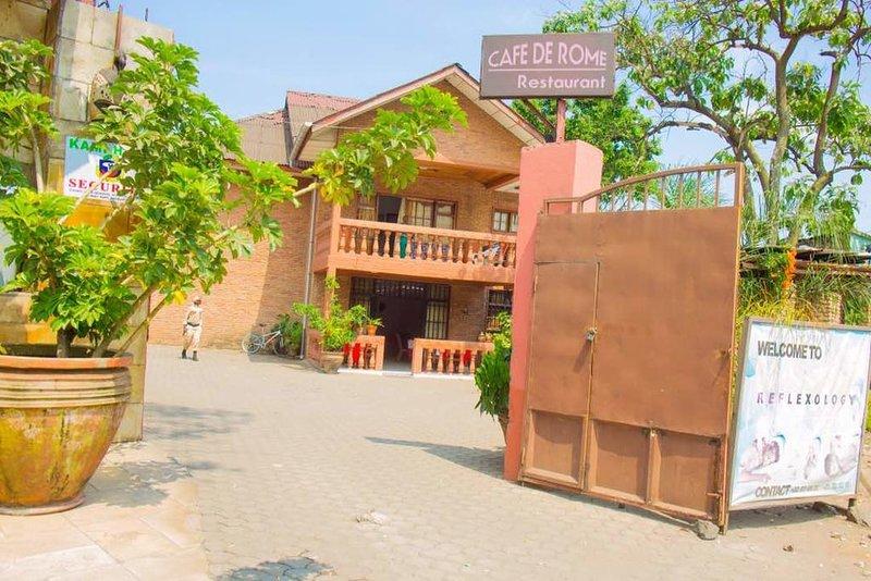 Guest House café de Rome, holiday rental in Democratic Republic of the Congo