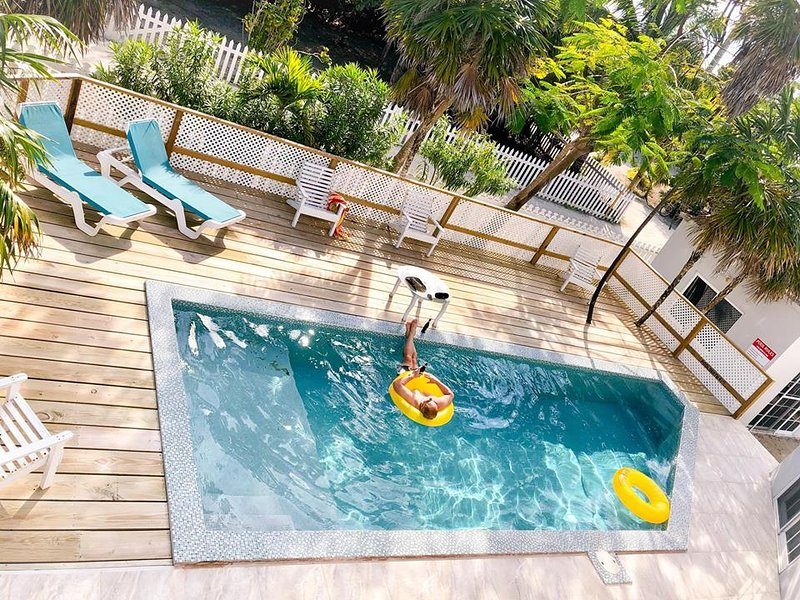 5-BR / 6-BA Sundance Villa, Caye Caulker, Belize, holiday rental in Caye Caulker