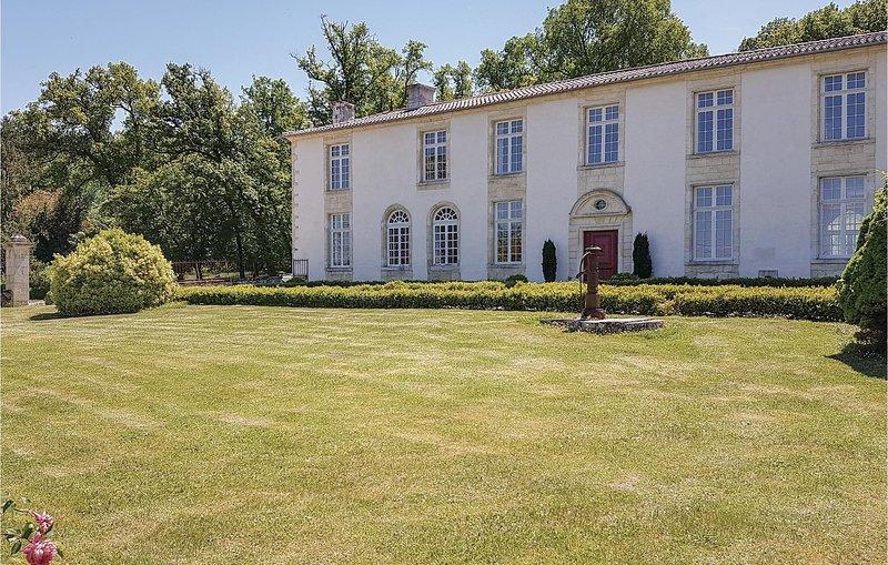 Vakantie op een traditionele wijnmakerij (FAG109), vacation rental in Saint-Jean-de-Blaignac