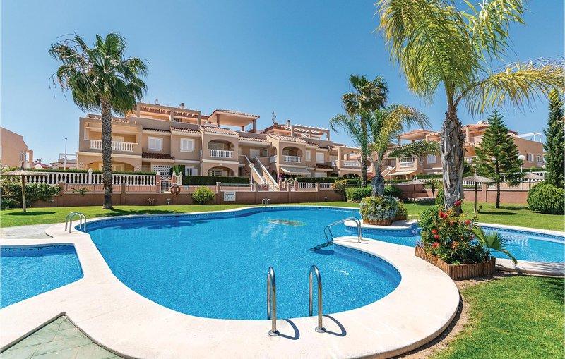 Awesome home in Orihuela Costa with 4 Bedrooms (EBL530), location de vacances à Punta Prima