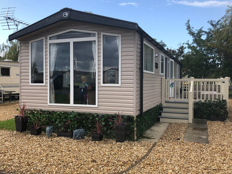Luxury modern static hot tub holiday home, situated in a quiet location with lake views
