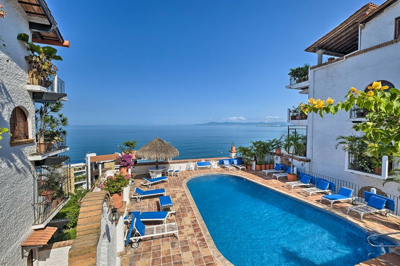 Head south of the border and enjoy a getaway this Puerto Vallarta condo!