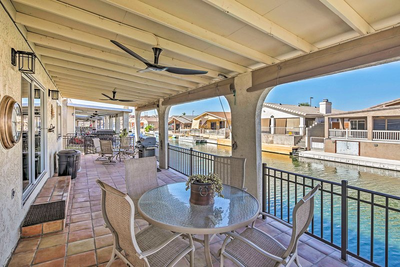 Waterfront Home in Parker w/Mtn Views & Dock!, holiday rental in Parker