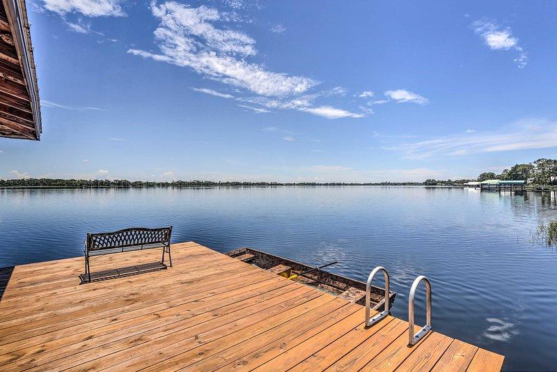 Waterfront Lake Placid Home; Game Rm, Dock, Kayaks, holiday rental in Lorida