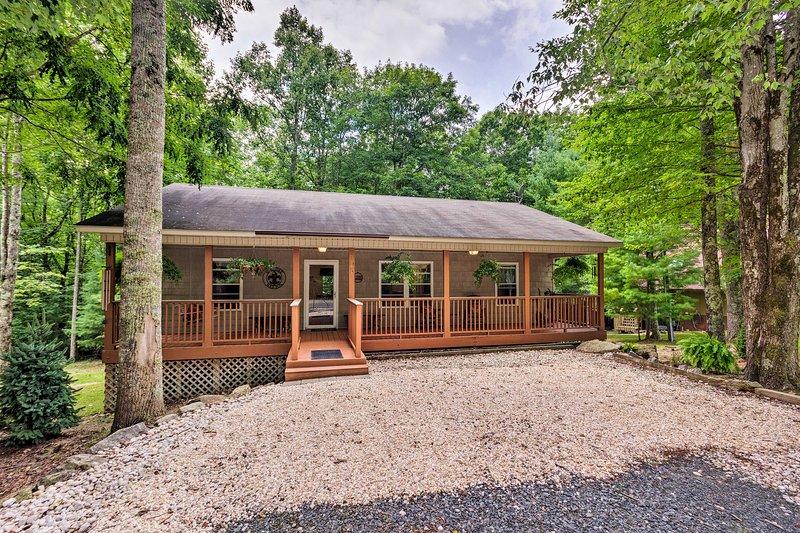 Organisez votre séjour de ski dans les montagnes Beech dans cette pittoresque résidence de 3 chambres à coucher et 2 salles de bain!