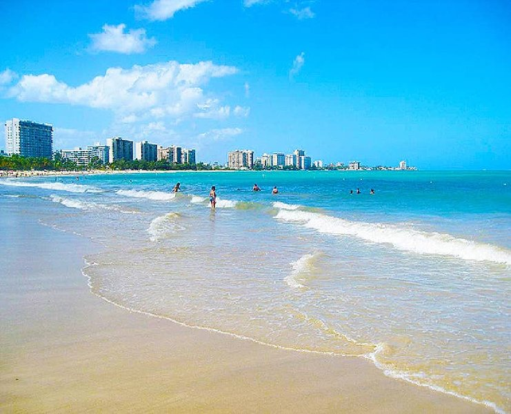 Enjoy Isla Verde in a spacious luxury condo with 3BR-2BTH plus City & Ocean View, vacation rental in Isla Verde