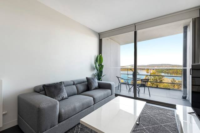 Canberra Luxury Apartment 5, holiday rental in Phillip