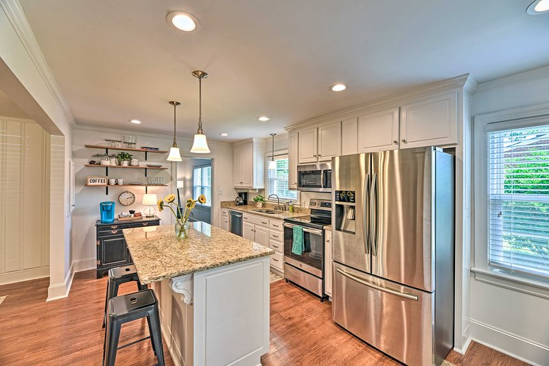 You'll enjoy access to a fully equipped kitchen & stocked coffee station!