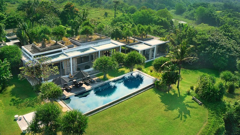 [45% OFF] Villa Tantangan Luxe & Secluded Getaway near Beach, holiday rental in Tanah Lot