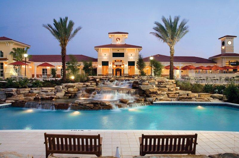 Härlig pool och hisnande natur!