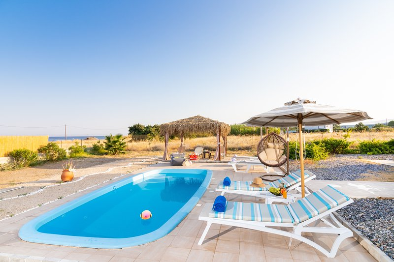 Gennadi Serenity House beachfront villa in South Rhodes, location de vacances à Rhodes